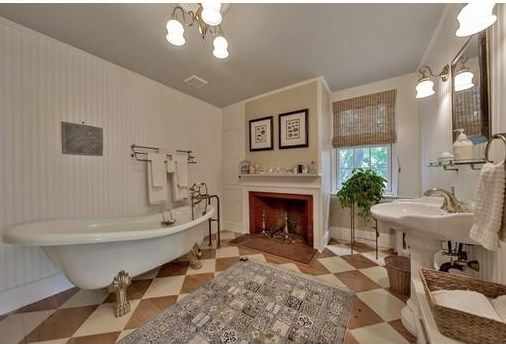 For Sale - 519 Main Street, Dunstable, MA - $1,495,000. View details, map and photos of this single family property with 8 bedrooms and 8 total baths. MLS# 72040696.