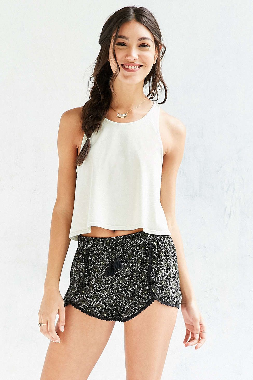 Ecote Dylan Printed Dolphin Short