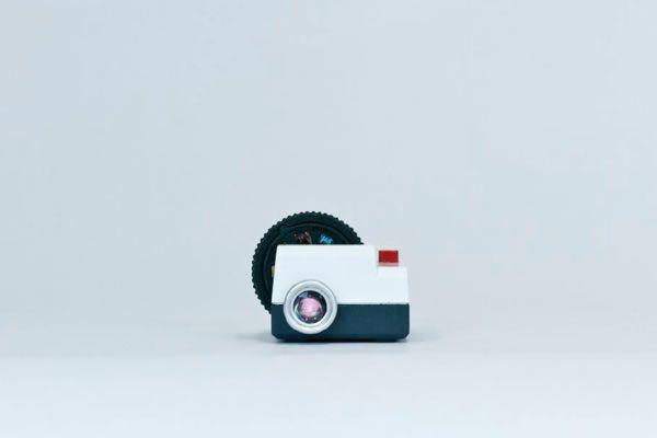 Projecteo, el primer mini proyector para imágenes de Instagram