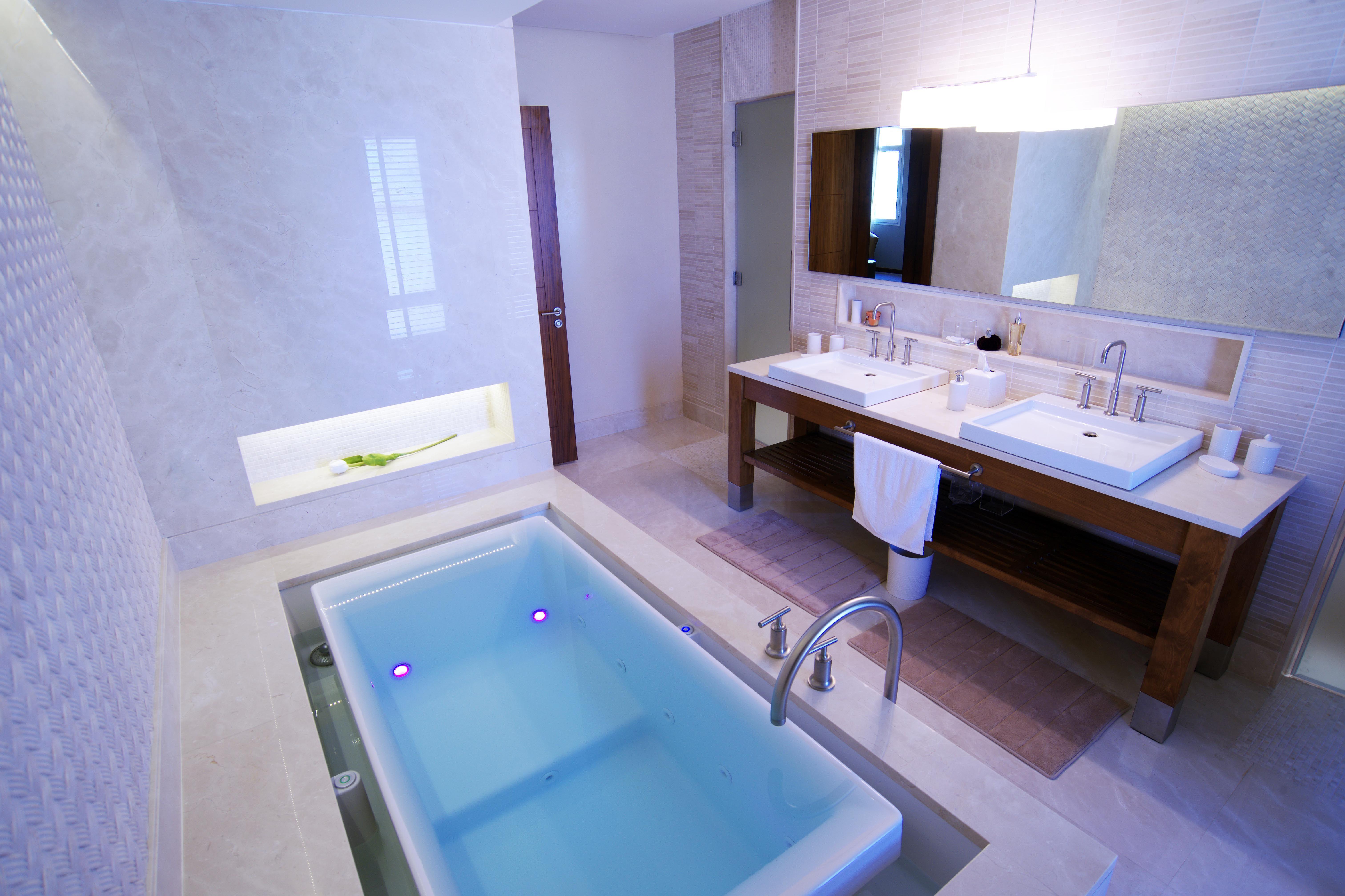 Master Bathroom Bathroom Remodel Idea Bathroom Bathroom Toilets