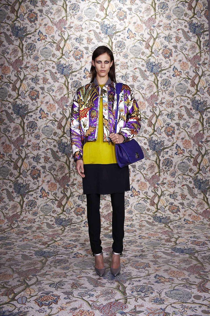 Balenciaga Pre-Fall 2011 - Review - Fashion Week - Runway, Fashion Shows and Collections - Vogue