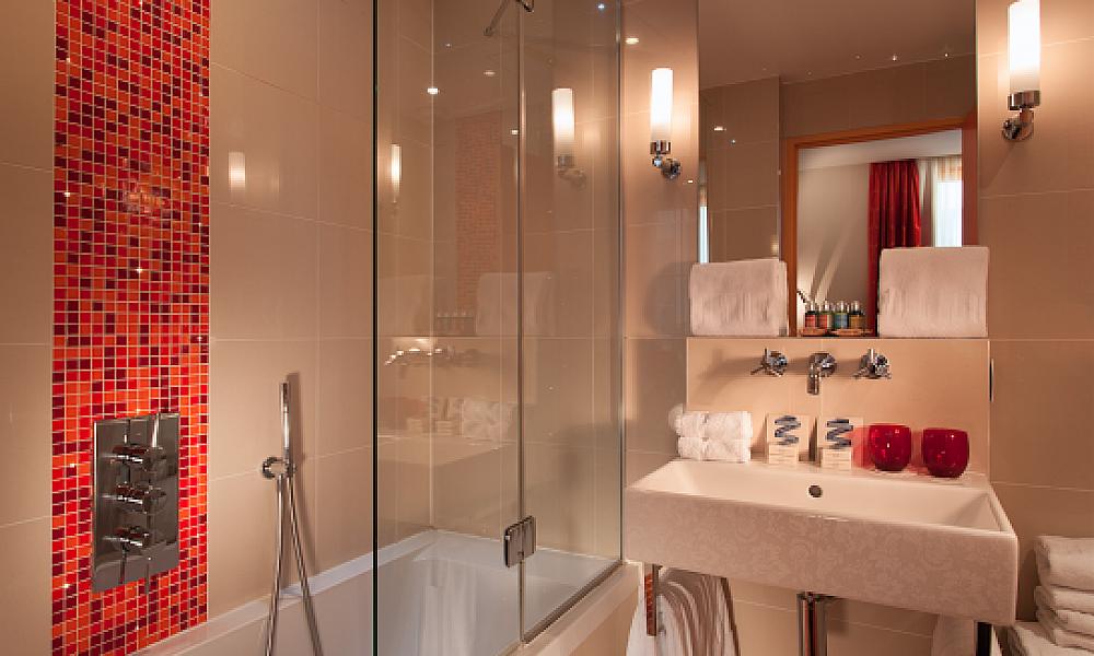 Vibrant, sharply-modern colors in Hotel le Petit Paris designed  by Sybille de Margerie http://www.smdesign.fr