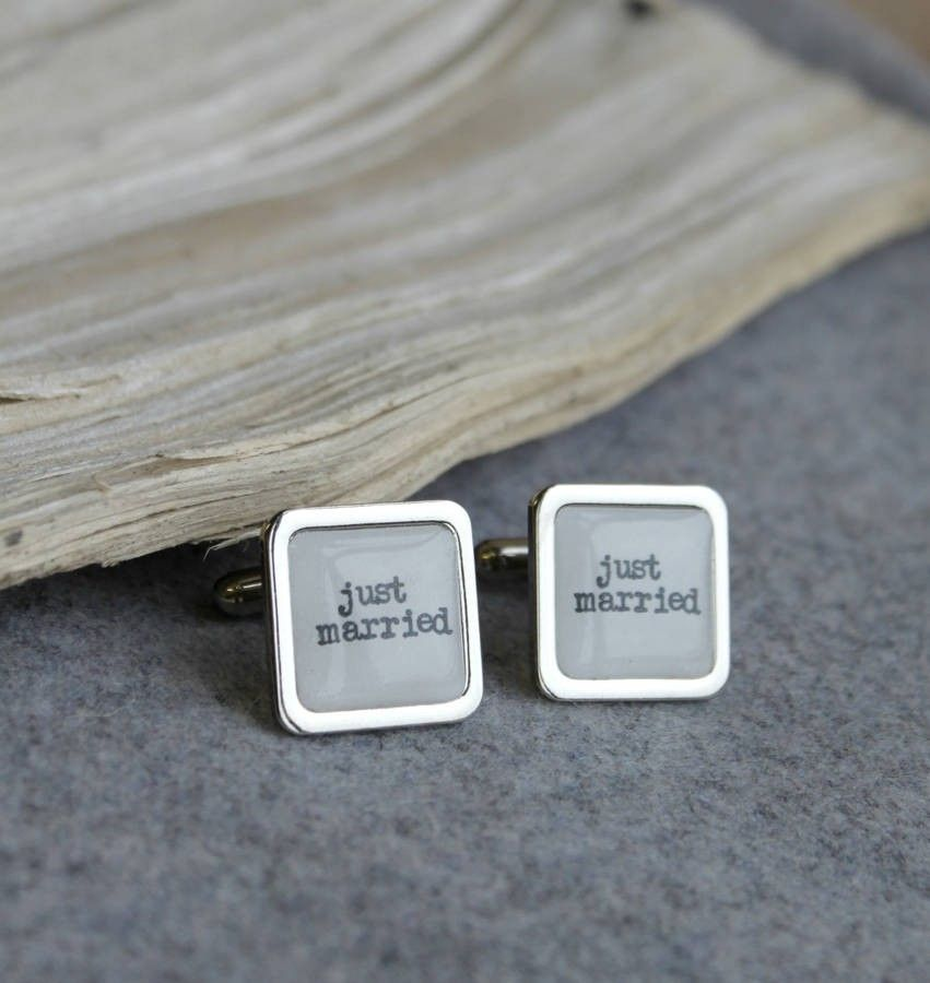 These are fun handmade cufflinks that will look great on your wedding day. The perfect gift for the groom on his wedding day. The cufflinks are a wedding white colour with vintage style print. We have other wedding party cufflinks with bestman, groom, father of the bride, father of the groom and usher to compliment the groom on his special day. They are available as square or round cuffllinks. Price £22.00