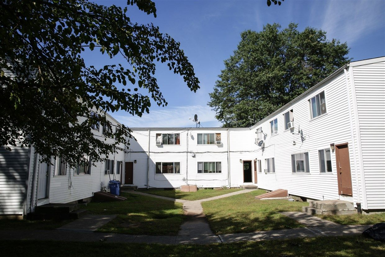 Hud Says It Will Relocate Tenants From Housing Featured In Nbc Probe Tenants Relocation House Styles