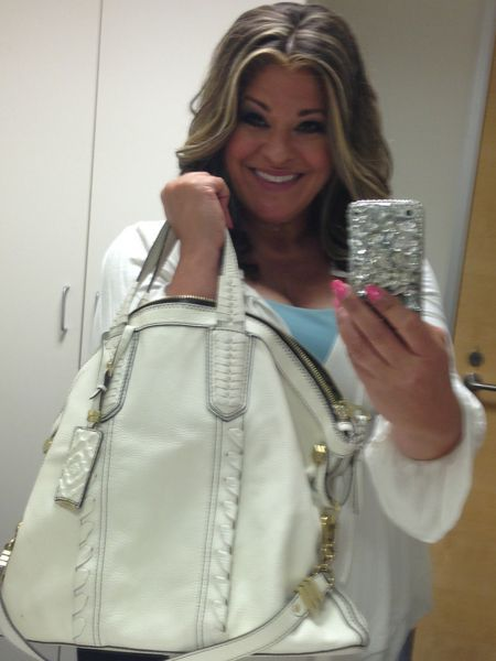 Qvc Host Antonella Nester My Chic Purse Onality Chic Purses Leather Crossbody Bag Small Popular Purses