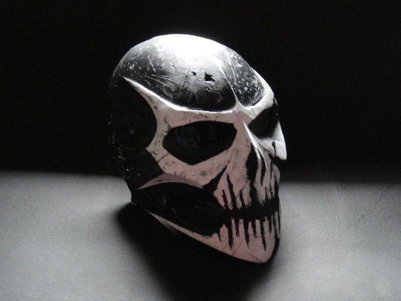 Coldbloodart 4 damage white skull mask painting skull