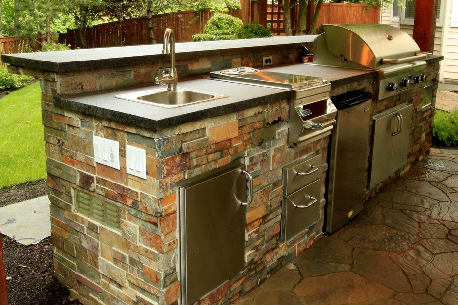 Gorgeous Fully Equipped Outdoor Kitchen From 1 Of 8 Projects By Alderwood Landscap Outdoor Kitchen Island Outdoor Sinks Outdoor Kitchen Countertops