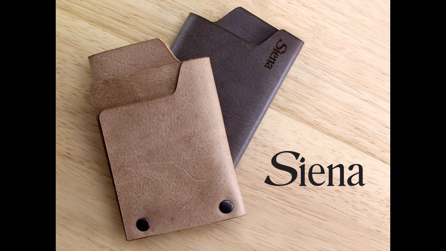 High quality vegetable tanned leather, simplified design, compact and different; perfect for all of your minimalist needs.