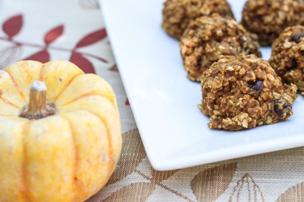 pumpkin chocolate chip baked breakfast cookies (sub white chocolate for choc chip, sub ground flax seed for protein powder)