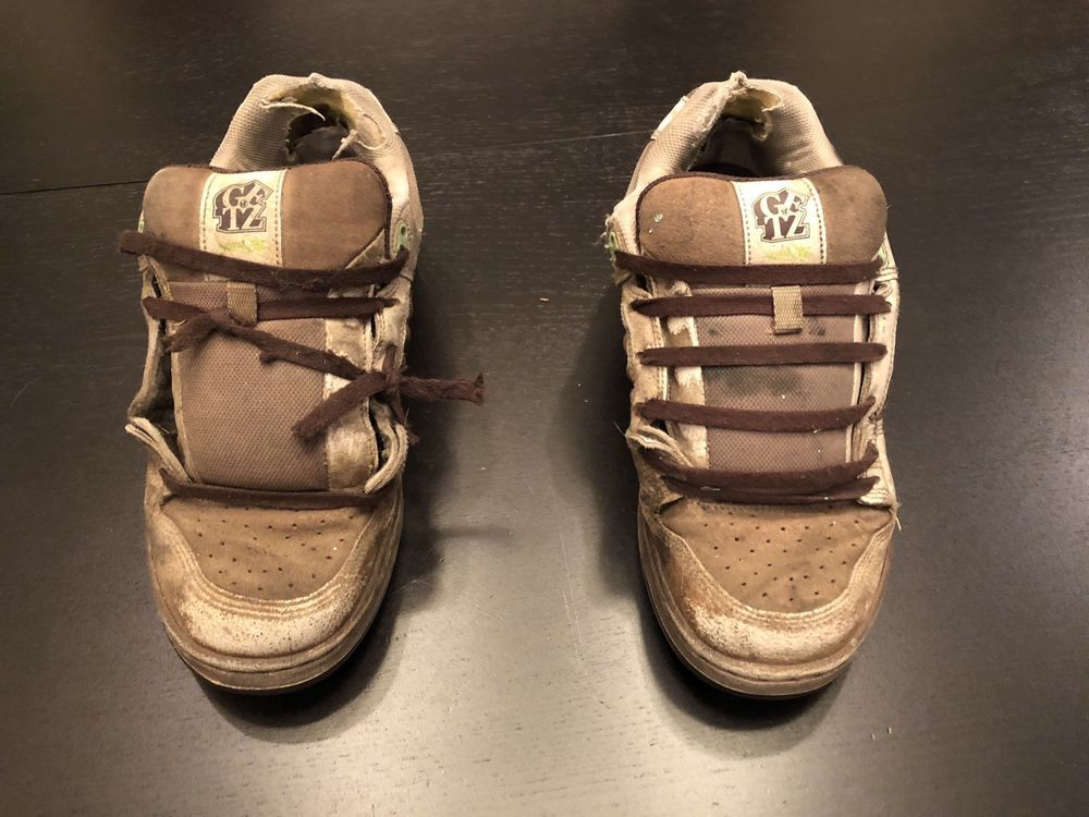 251de8d30b Well Worn   Used DVS Kerry Getz Trashed Skate Shoes Size 10 Vintage!!   fashion  clothing  shoes  accessories  vintage  mensvintageshoes (ebay  link)
