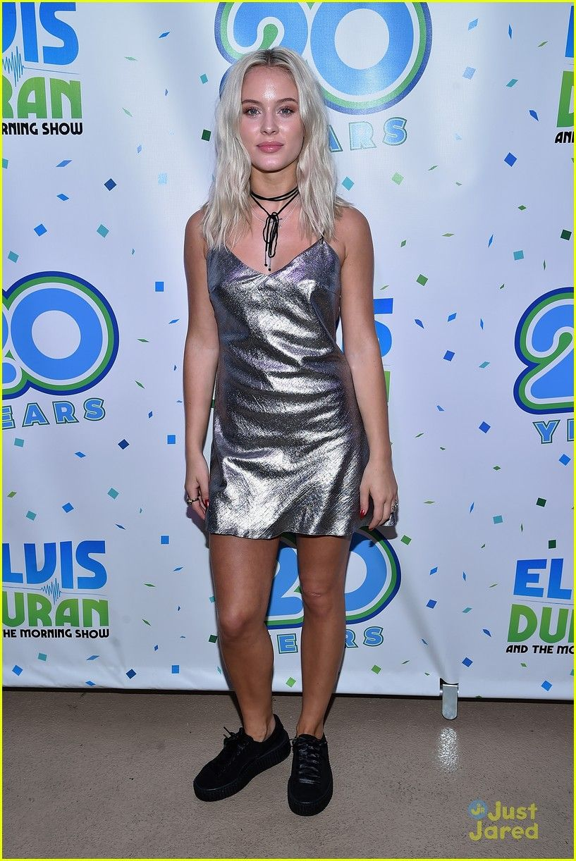 Blue apron elvis duran - Zara Larsson Elvis Duran Summer End Concert 13