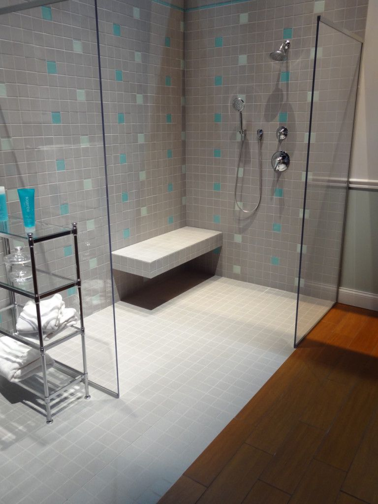 Amazing shower with bench seat Amazing shower