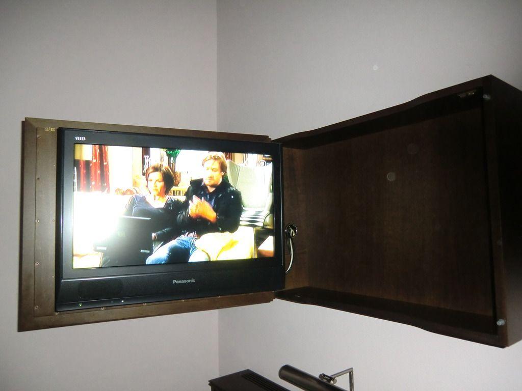 Tv Verstecken flat tv schön versteckt im schrank schwenkbar bilder zimmer hotel