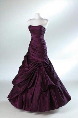 Like a true princess dress! Squeeeeee! | wedding ideas | Pinterest ...