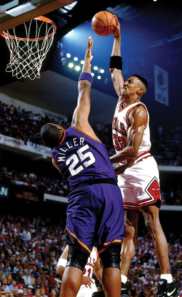 Scottie Pippen Over Oliver Miller Who Said It Was Easy Scottie Pippen Nba Legends Basketball Photography