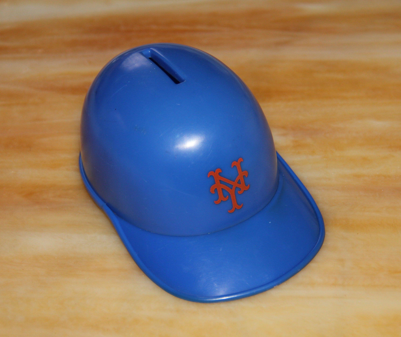 Vintage New York Yankees Baseball Helmet Coin Bank 1973 Baseball Cap Bank In 2020 New York Mets Baseball Baseball Helmet New York Mets