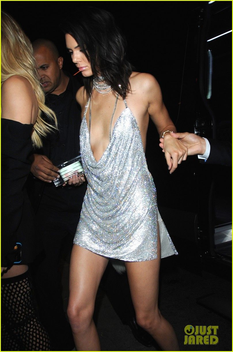 Kendall Jenner S 21st Birthday Dress Matched On Purpose