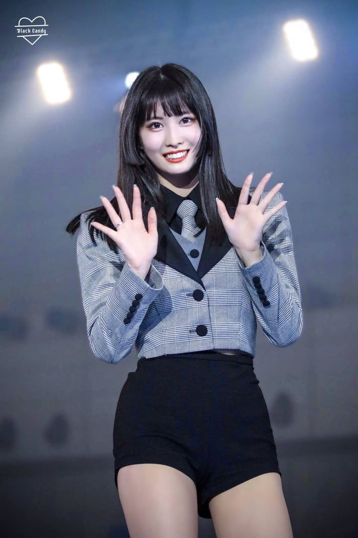 Momo Double Waving