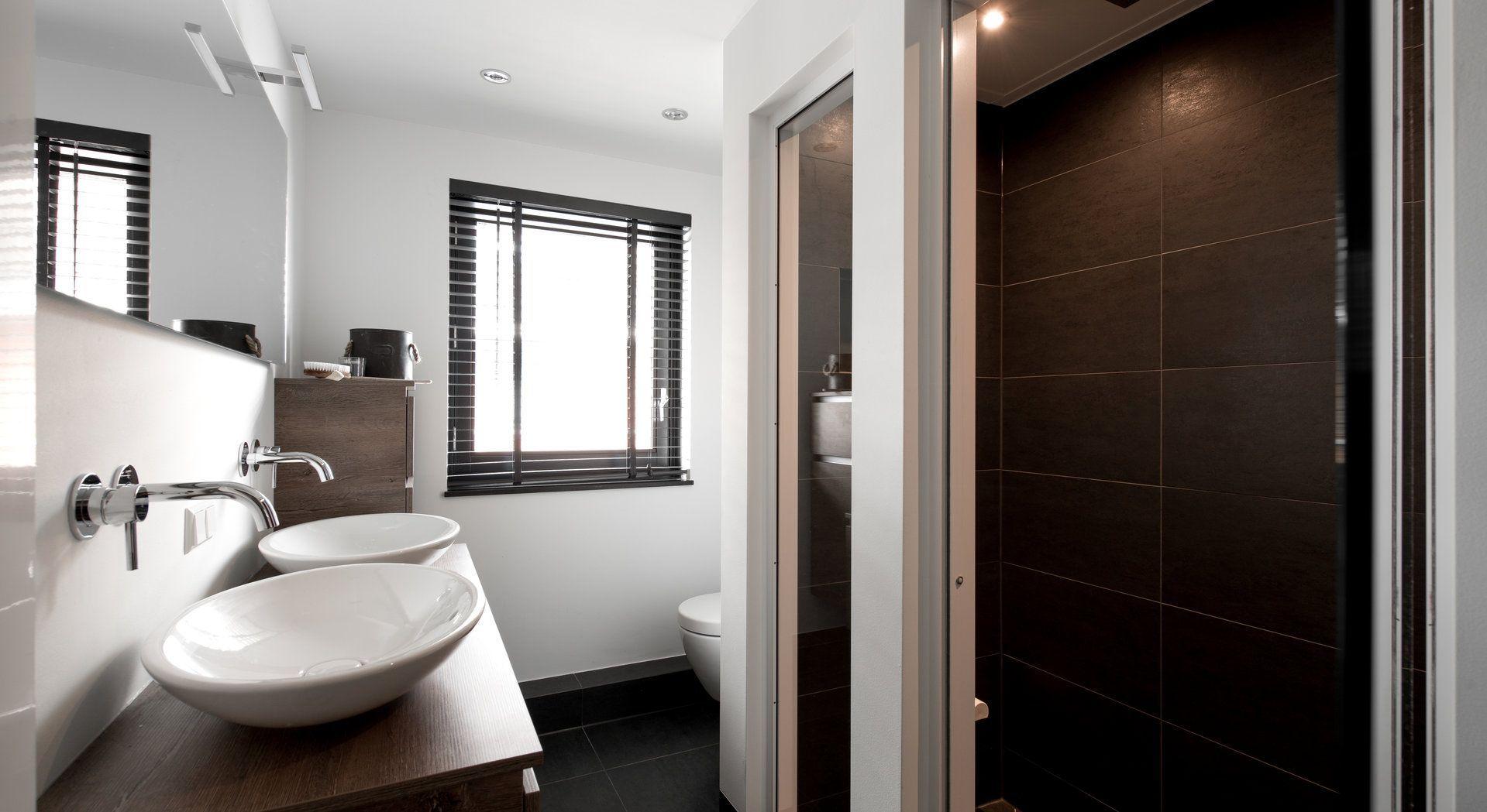 Luxe wellness badkamer van Middelkoop Culemborg. In deze ruimte zijn ...