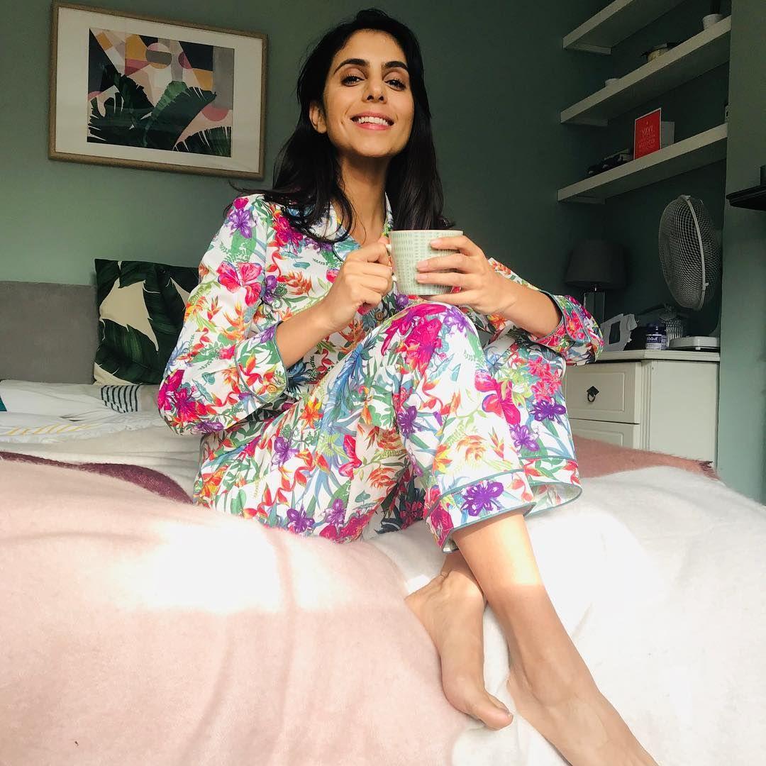Anjli Mohindra Nude Photos 36