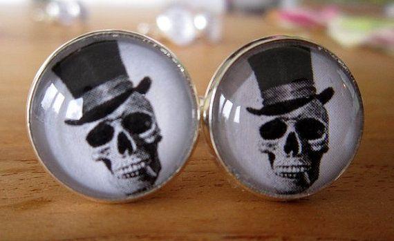 Black & white skull cuff links