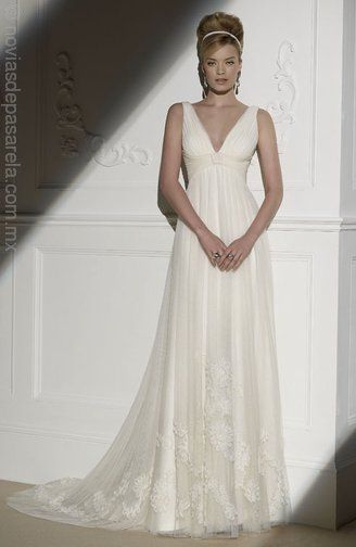 EDURNE-01.jpg Detalles del vestido Novia d'Art Imperio En V %%%magicSeoKeywords%%%