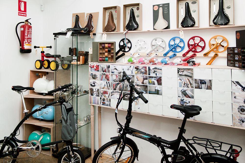 En Casa De Bicis Una De Las Tiendas Taller De Bicis Más Cucas De Madrid También Tienen La Ossby Curve En Calle De La Venta De Bicicletas Tiendas Te De Ruda