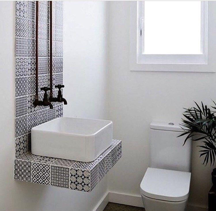 Ótima ideia para uma decoração simples para o banheiro!