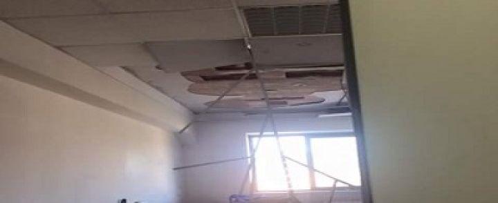 A Pagani crolla il soffitto della scuola