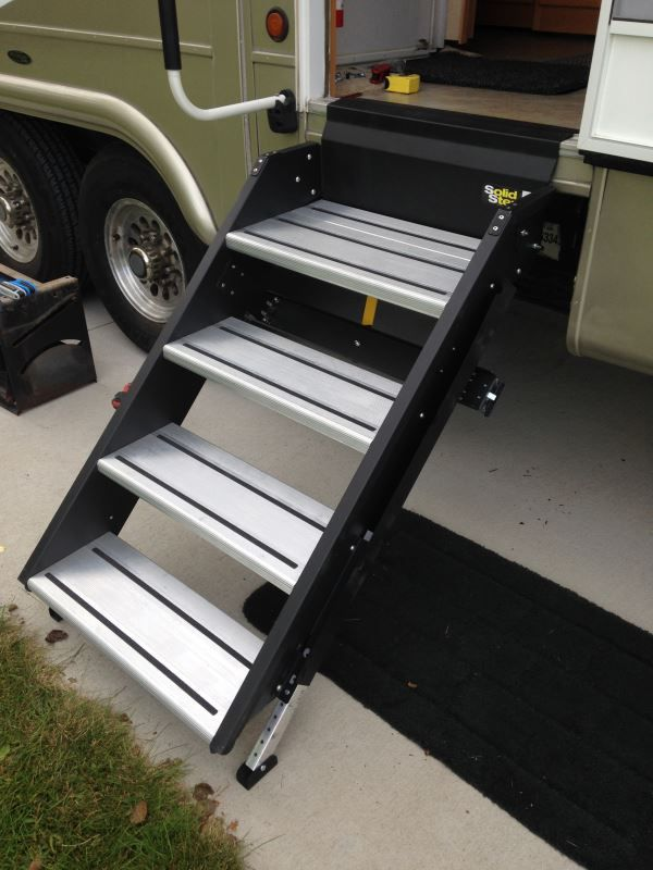 SolidStep Manual Fold-Down Steps for 28\