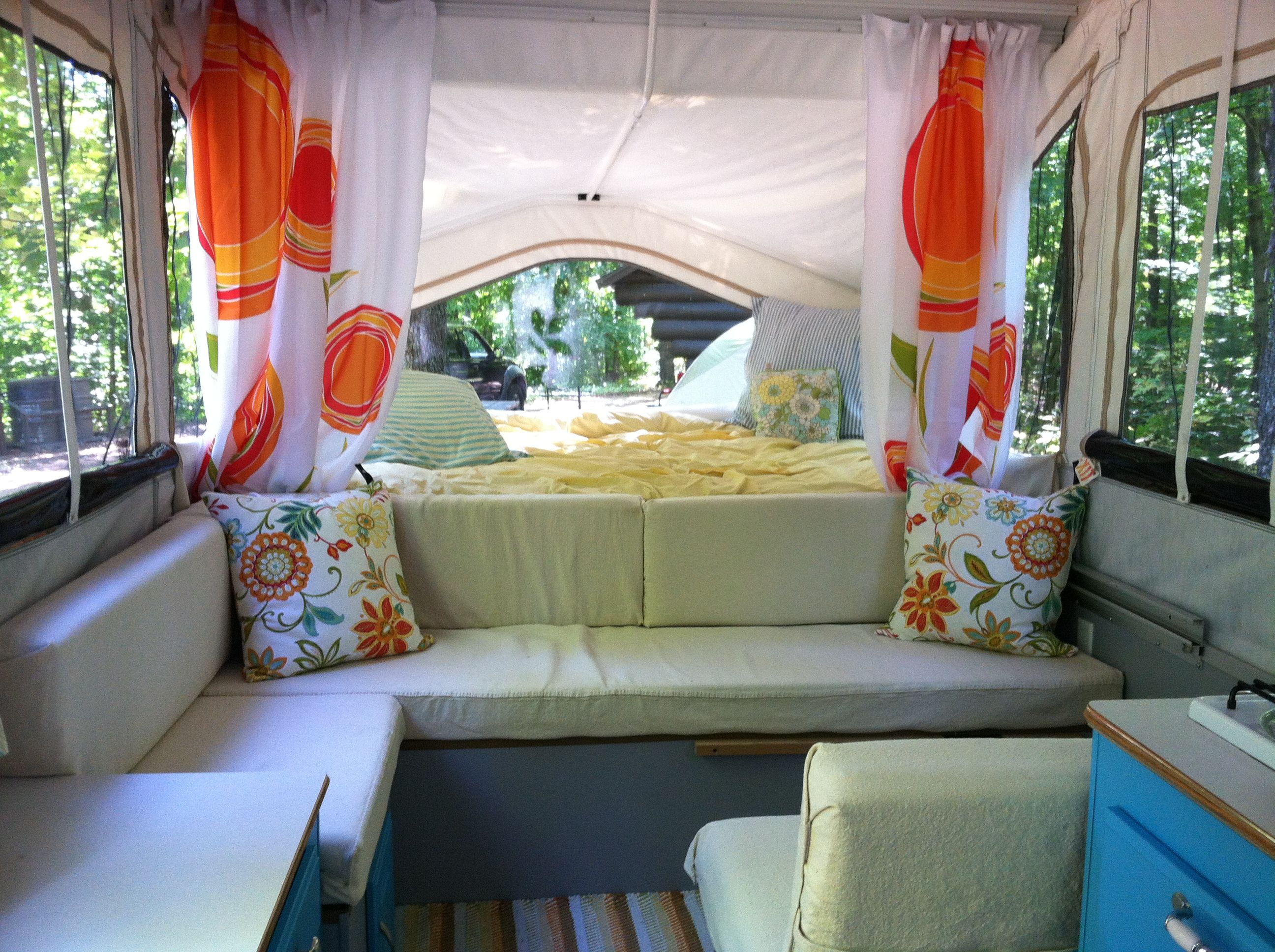 Pop Up Camper Remodel I Love The Colors Here Lt Blue Poppy