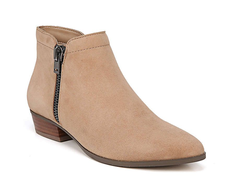 Naturalizer Blair Bootie In 2020 Light Brown Ankle Boots Dsw Shoes Boots Brown Ankle Boots