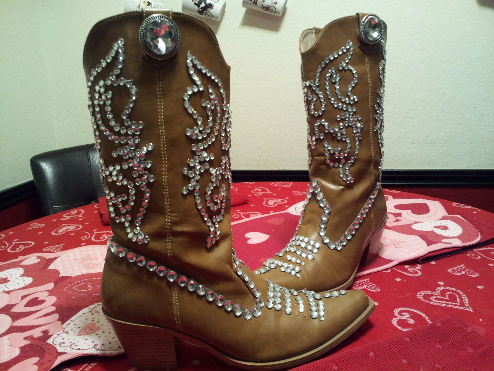 cb0118278e4 bedazzled cowgirl boots :) | Jaylyn | Boots, Cowgirl boots, Boot bling