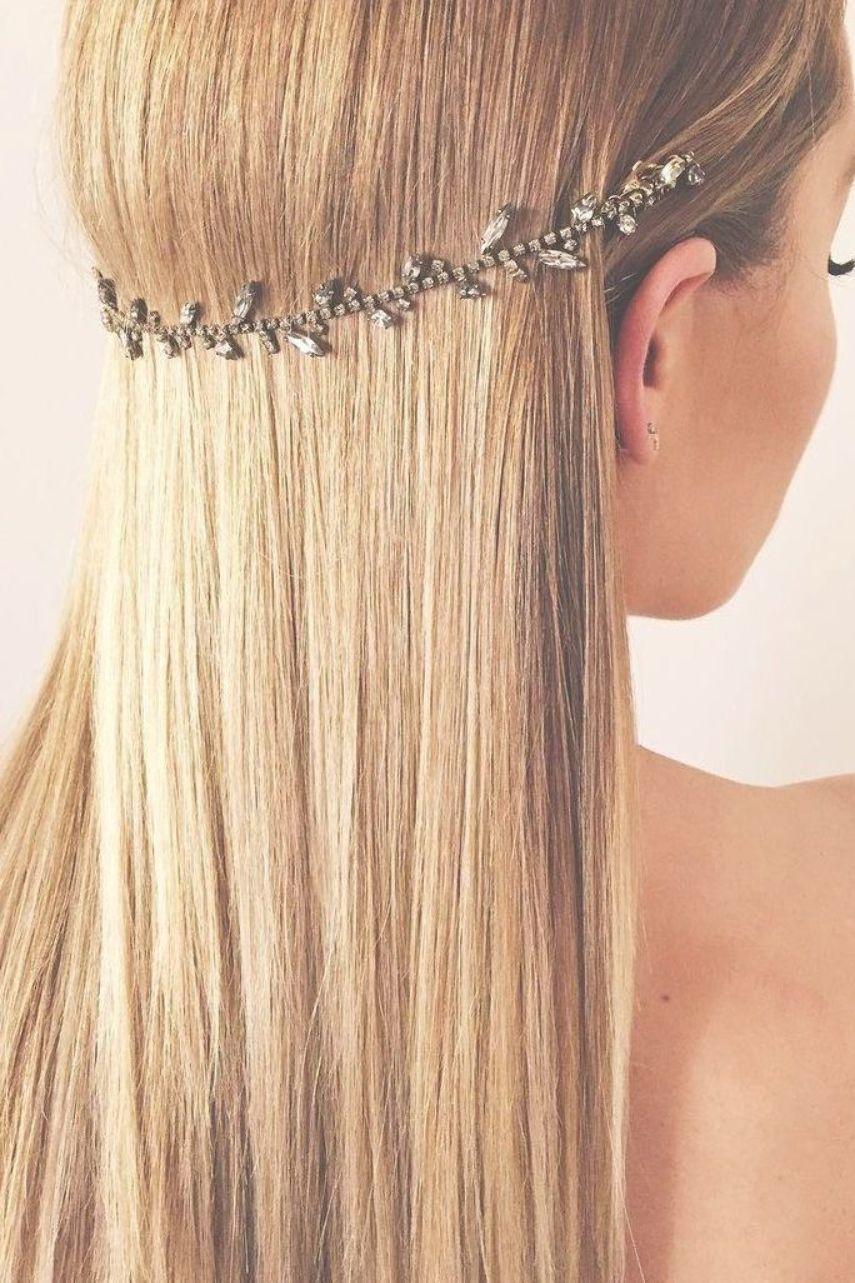 11 Prom Hair Accessory Ideas For Every Kind Of Style Hair Accessories Hairstyles Accessories Accessory Hair Styles Long Hair Updo Prom Hair Accessories