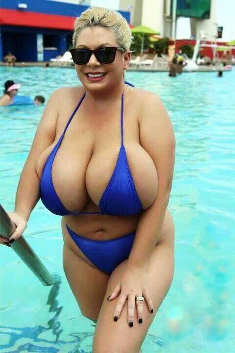 pool by Sexy cougar
