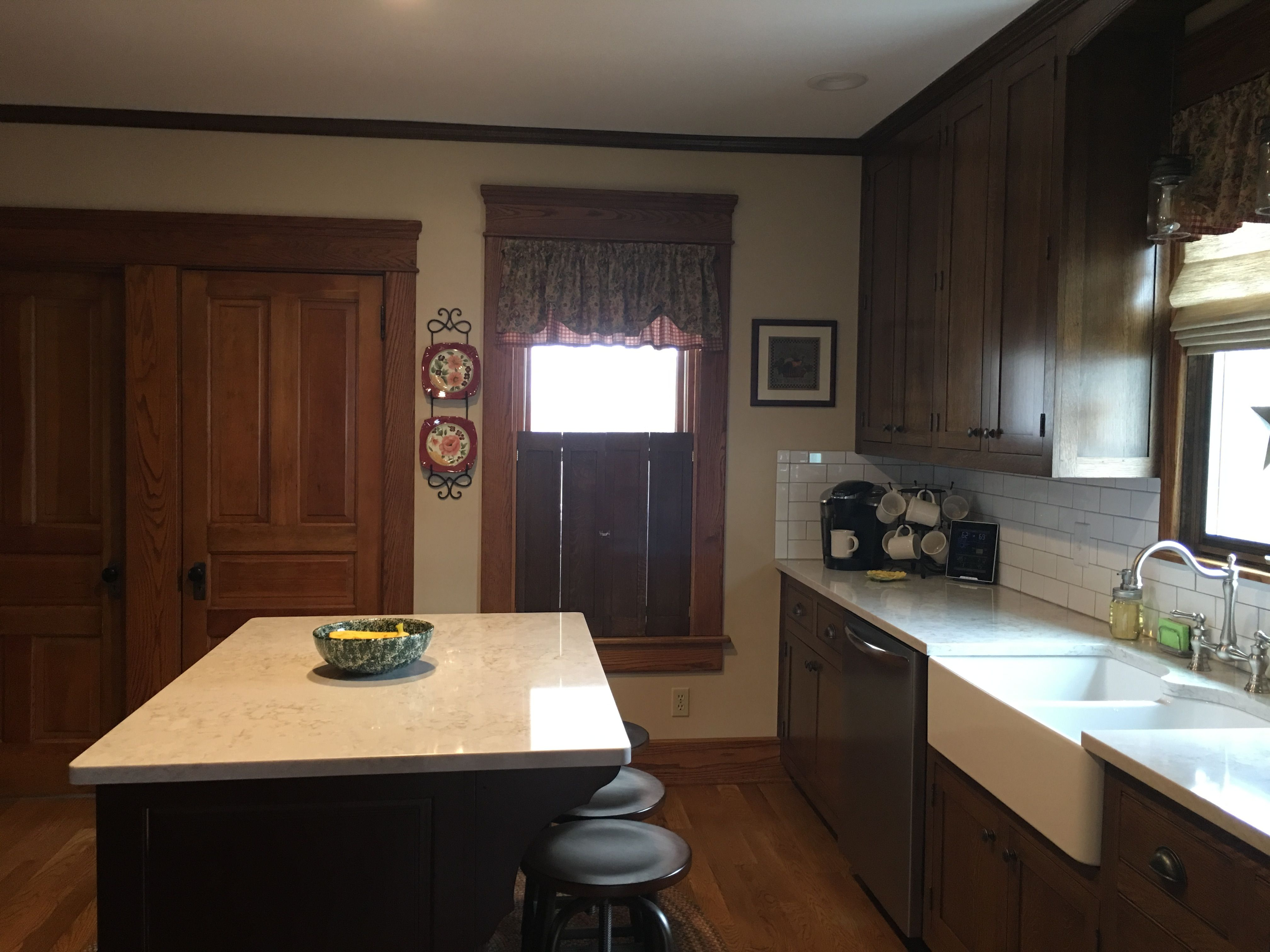 Cabinets Quarter Sawn White Oak With Minwax Espresso Stain Floor Is White Oak With Bona Nutmeg Stain Oth Building Kitchen Cabinets Kitchen Cabinets Kitchen