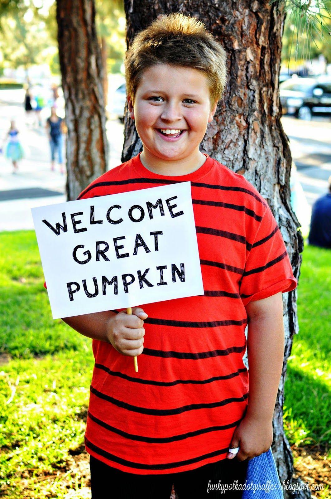 funky polkadot giraffe: welcome great pumpkin: linus and sally t