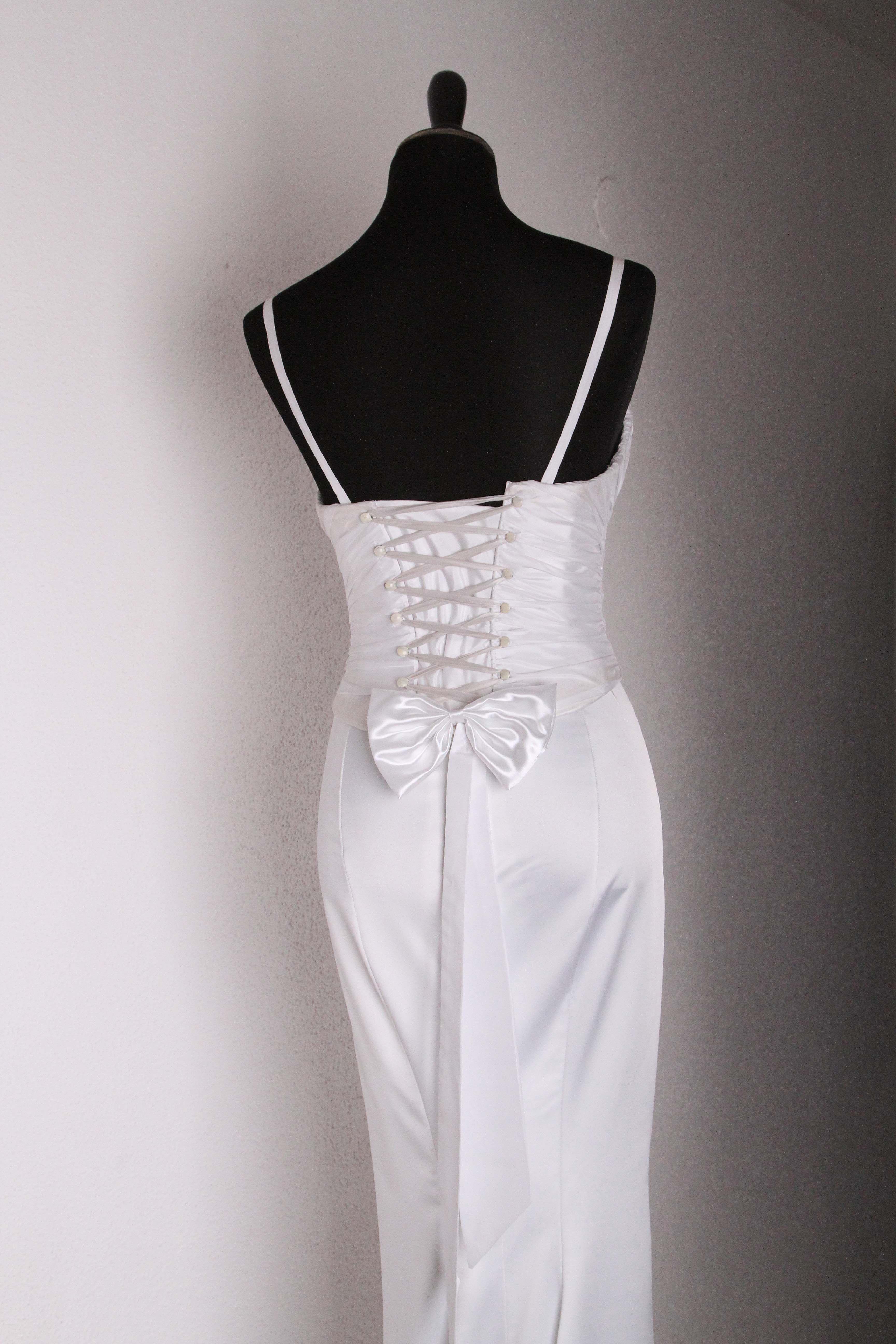 Exclusive wedding gowns of designer Victoria Falkovich. Photo: Valery Dashevsky VICTO WEDDINGS Wedding and Evening Dress fashionable design Exclusive Netanya, Israel Smilanski srt.4 0546277641, 0506847608 0773241124
