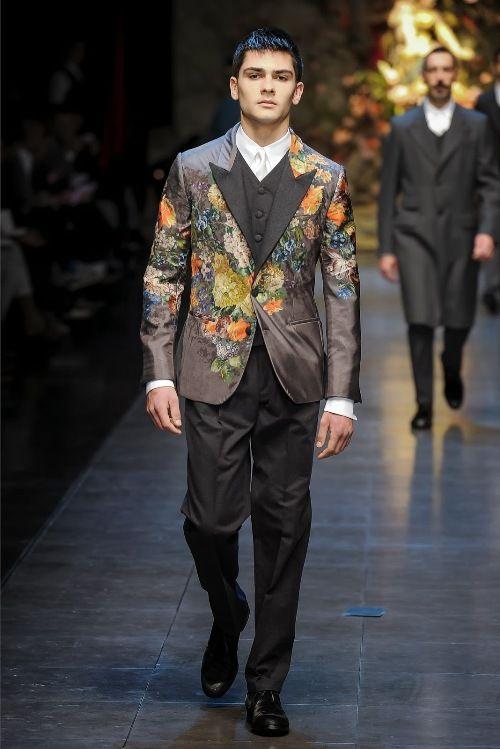 Fashion show batik pria