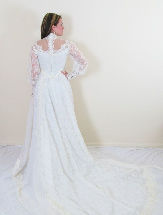 Vintage 1950\'s Ivory Spanish Lace Wedding Dress / by JLVintage ...