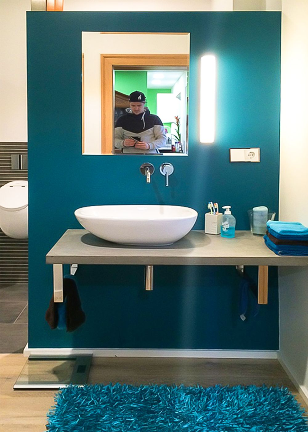 Schmuckwand Im Badezimmer Petrol Wandgestaltung Hingucker Turkis Badezimmer Petrol Badezimmer Bad Styling