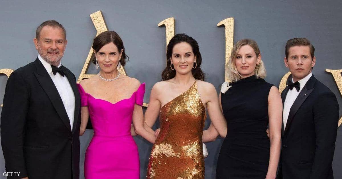 بعد 9 سنوات على عرض الحلقة الأولى من مسلسل داونتاون آبي الشهير شهدت العاصمة البريطانية لندن الاثنين العرض الأول العالمي لفيل Dresses Formal Dresses Fashion