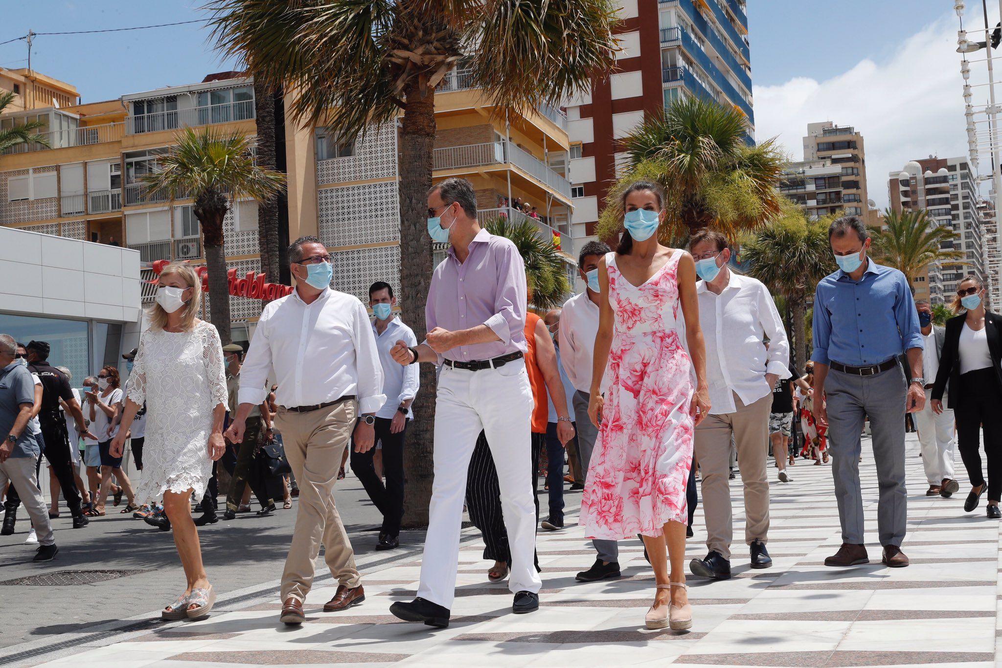 Queen Letizia Wore White And Pink Adolfo Dominguez Dress To Visit Benidrom And Valencia Queen Letizia Benidorm Queen