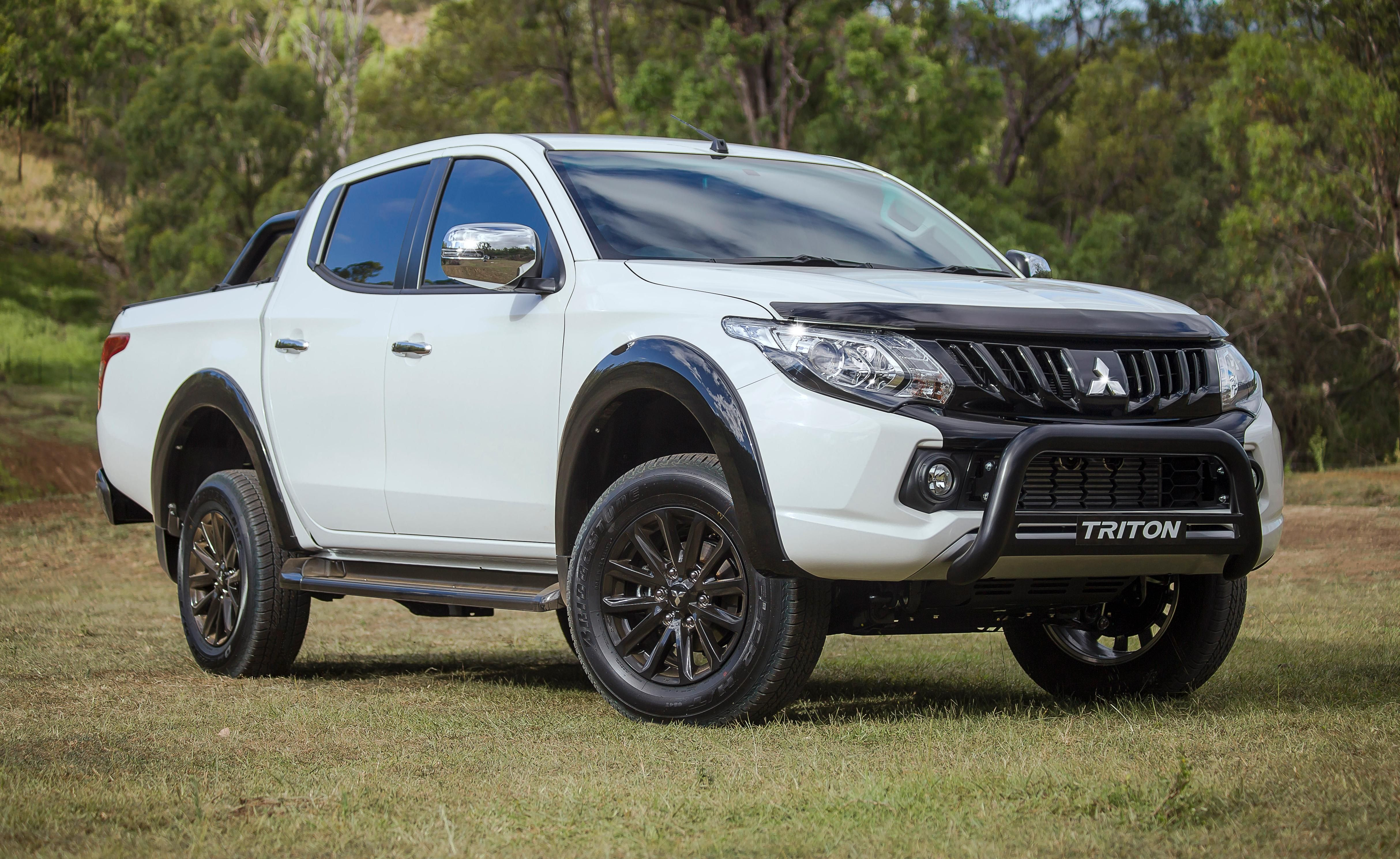 Amazing View Guys This Mitsubishi Looking Amazing With Bonnet Protectors From This Top Class Mitsubishi Mitsubishi Pickup Triton
