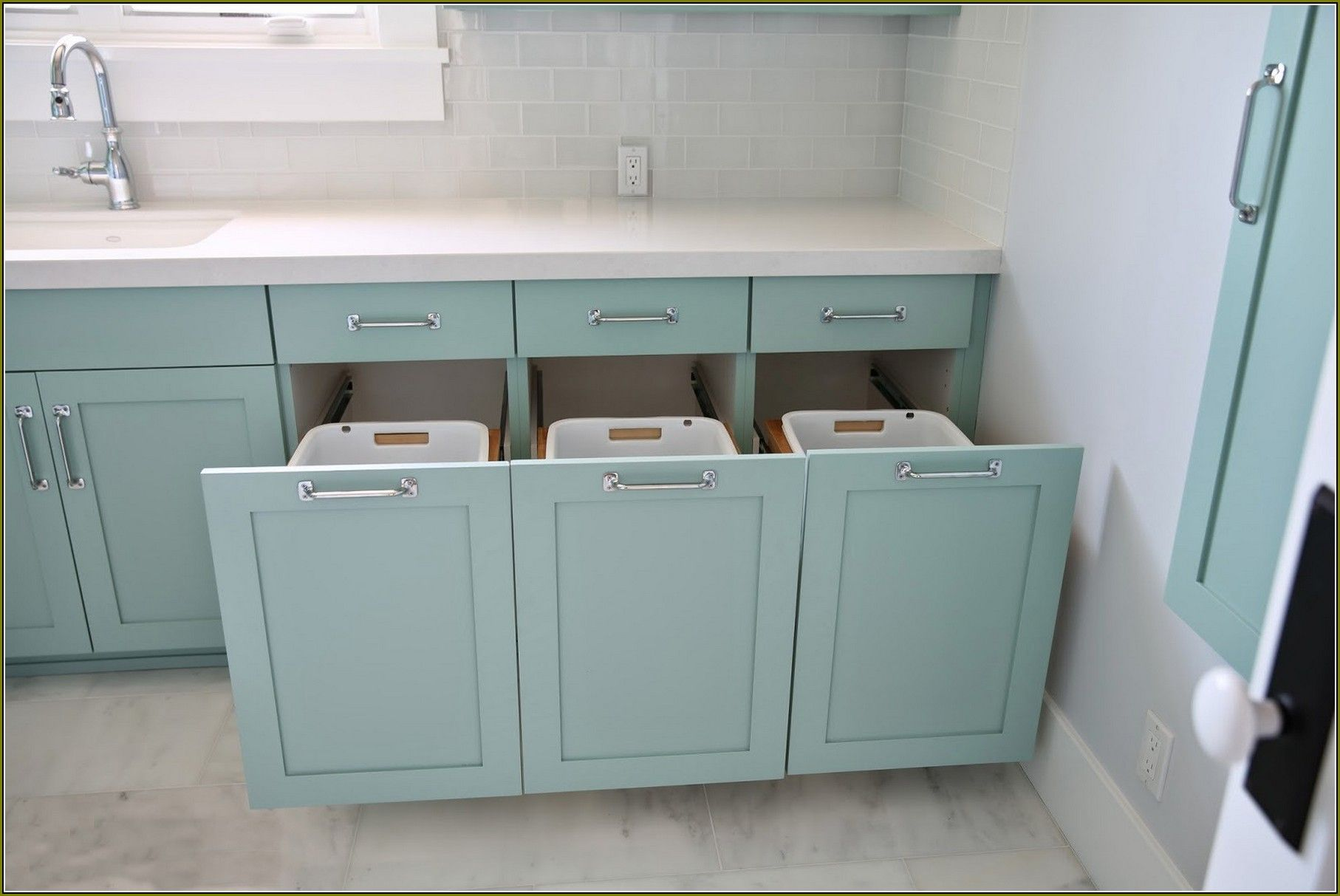 Corner Laundry Hamper As The Perfect Solution Homesfeed Laundry Cabinets Laundry Hamper Laundry Room Cabinets