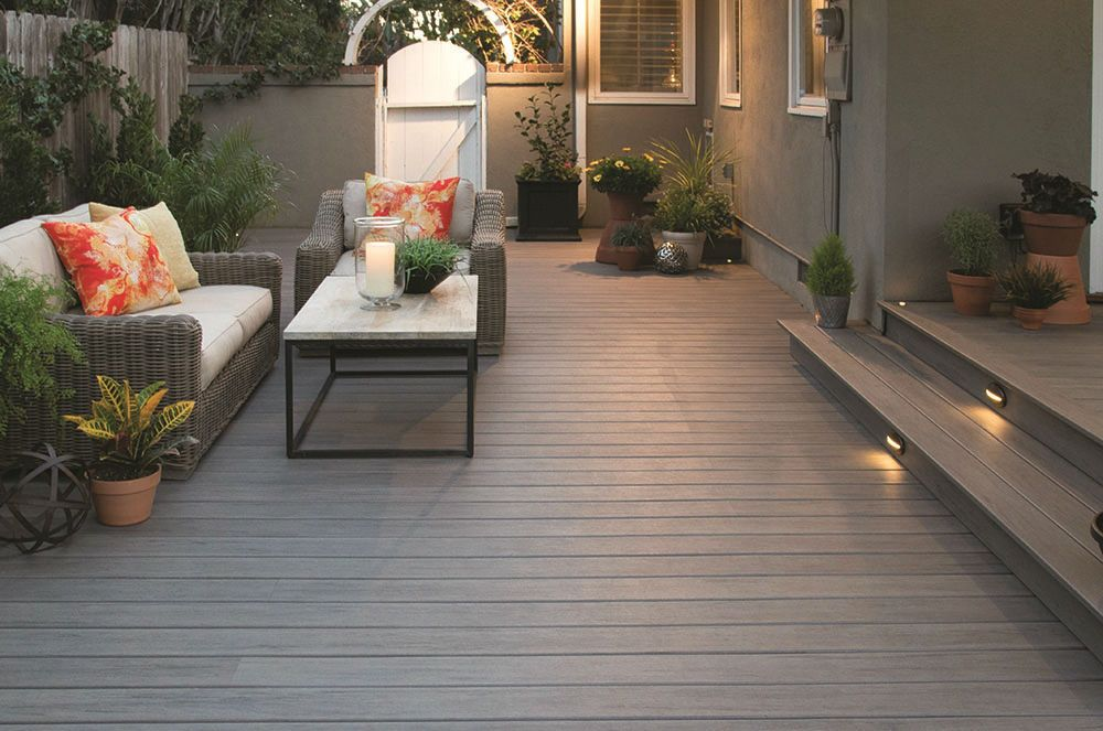 Do You Stagger Composite Decking Modern Outdoor Living Patio Modern Outdoor Living Space