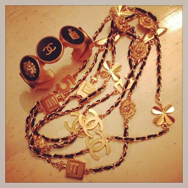 Lucky charm´s Chanel ... Make a dream ! #chanel #catherineb #paris #les3marches #shopping #instagram - @les3marchesdecatherineb- #webstagram