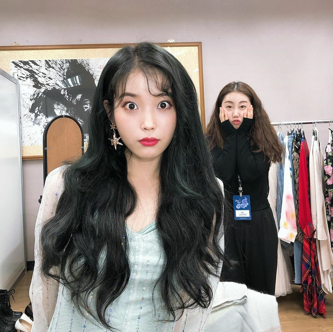 Iu Instagram Dlwlrma Actress Hairstyles Iu Hair How To Style Bangs