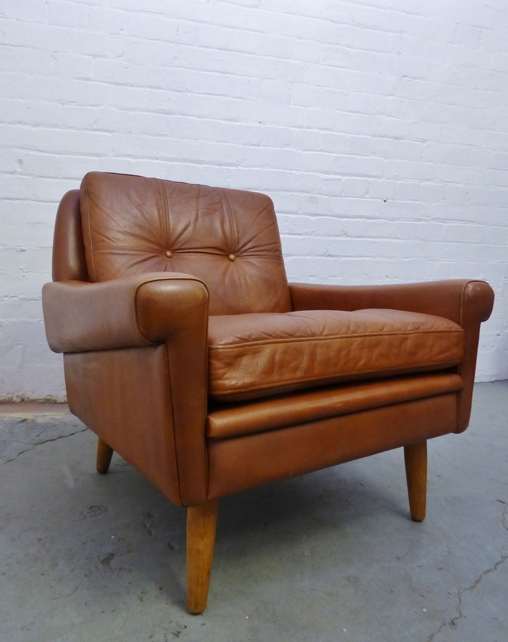 1960s tan leather armchair by Skipper Furniture, Denmark