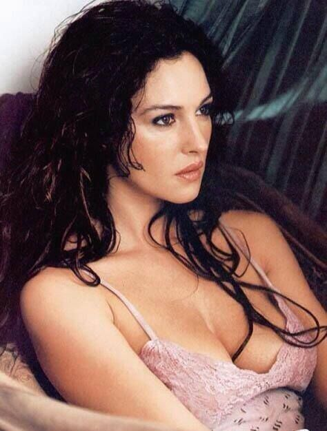 Monica Bellucci - look and enjoy